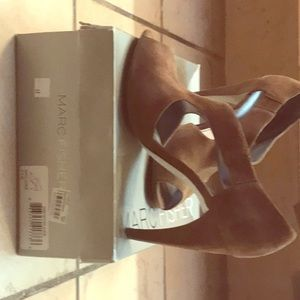 Women's shoes gently worn